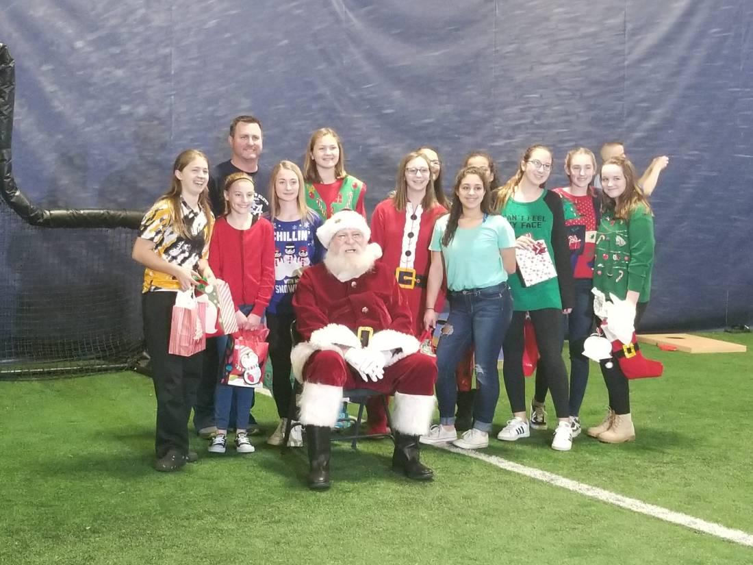AA Elite 14u Pic with Santa