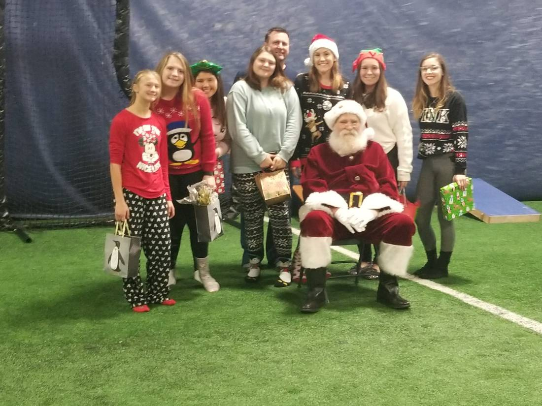 AA Elite 16u with Santa.jpg